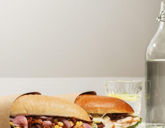 Vi välkomnar två nya sandwiches till Oh My Good – Beef-cheater & Caesar heaven